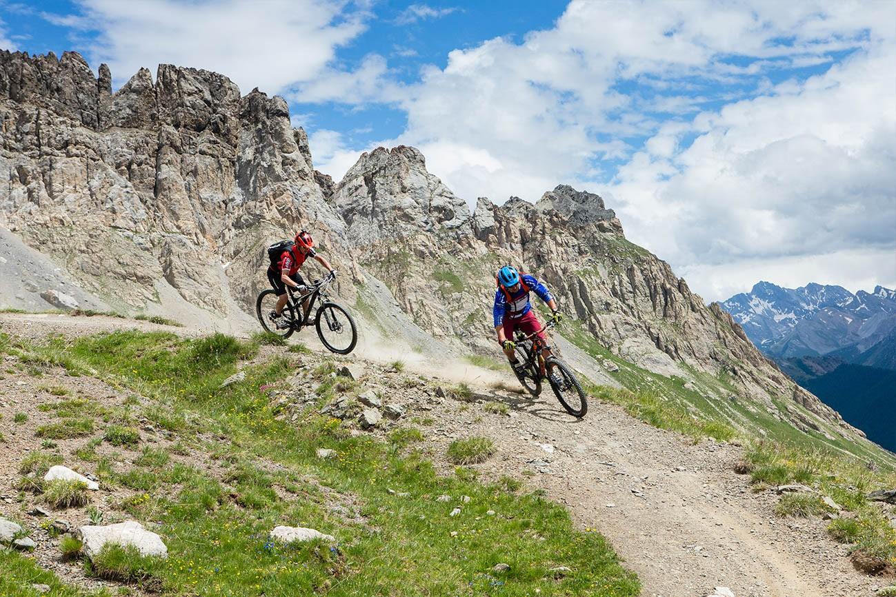 VTT de descente dans les Hautes-Alpes