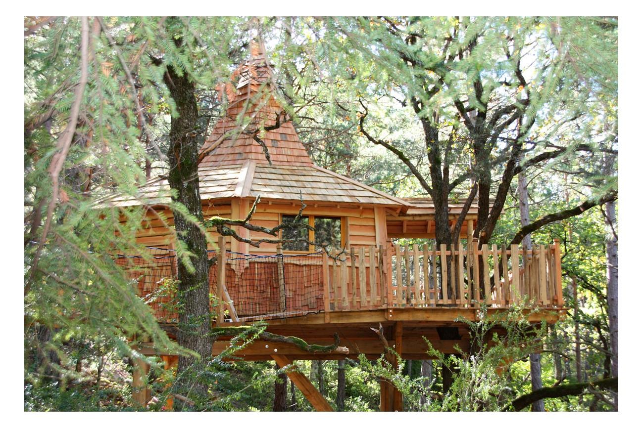 Cabanes dans les arbres avec jacuzzi hautes alpes alpes - Cabane dans les arbres selection originale ...