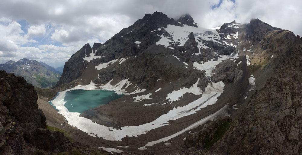 panoramique randonnée du lac de l'Eychada dans les Hautes-Alpes
